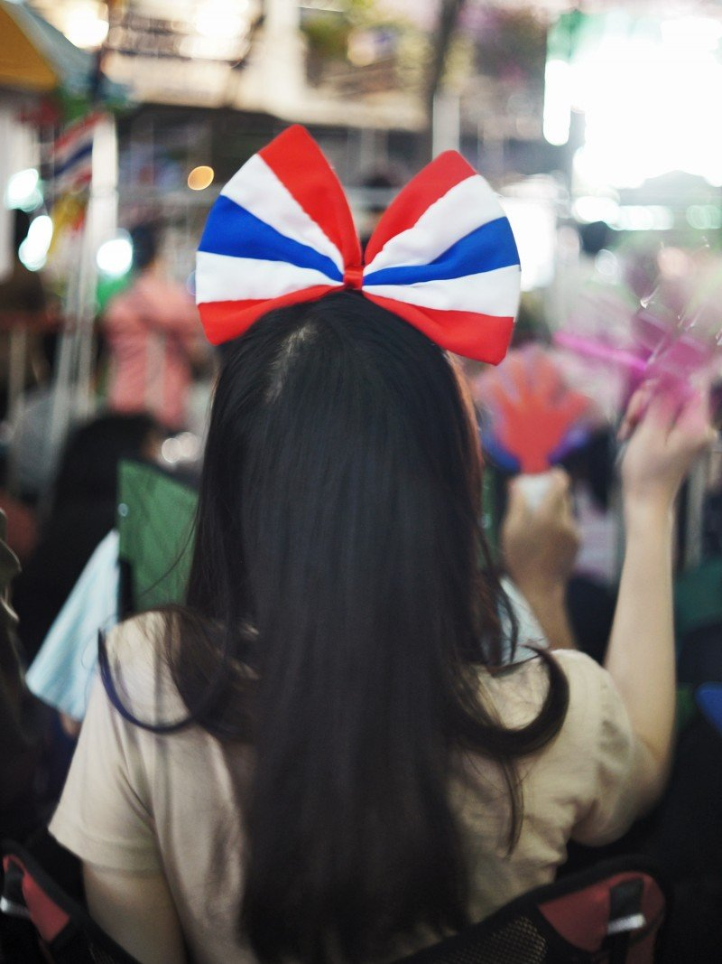 bangkok protest girl