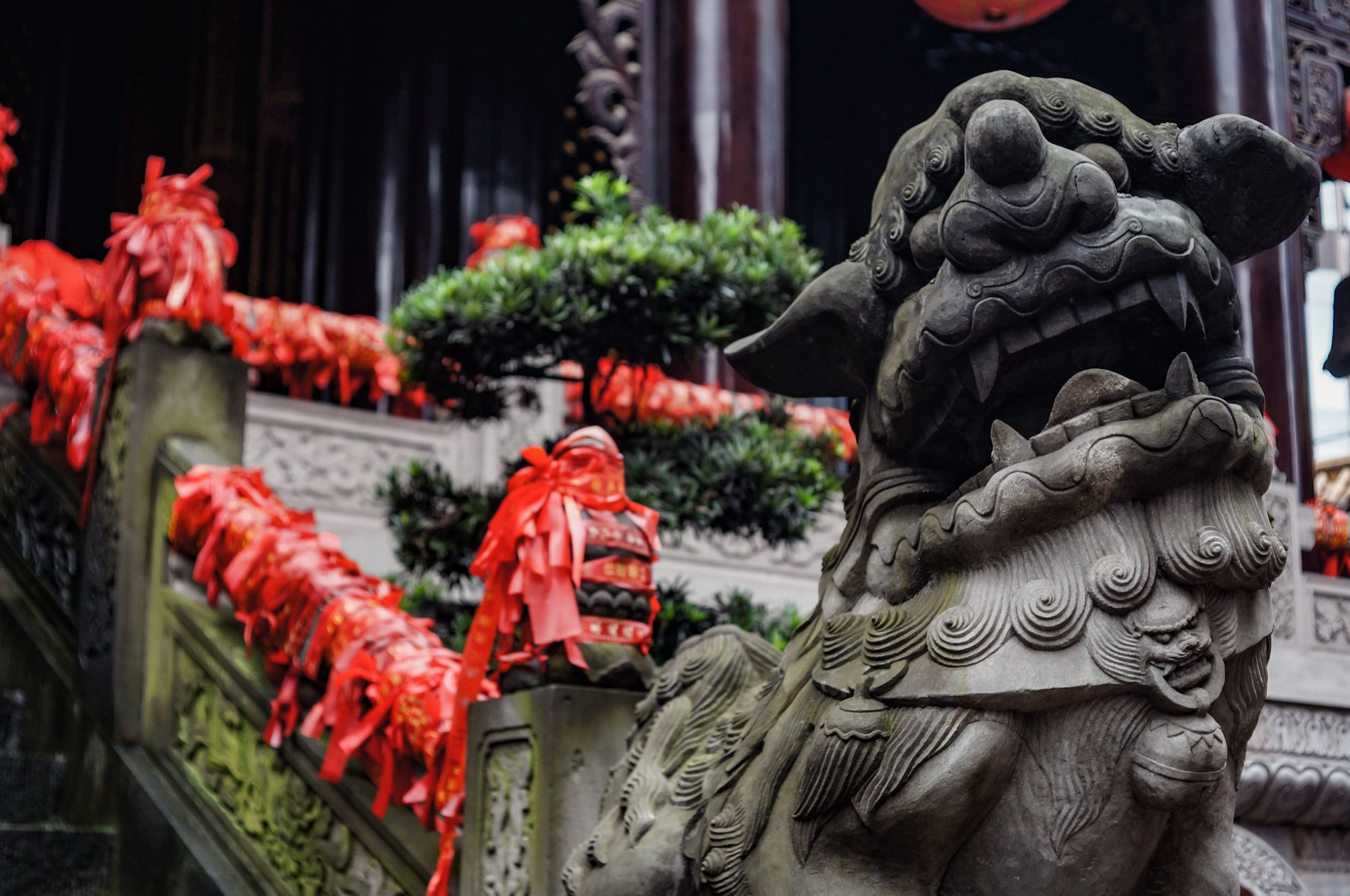 chinese temple lion