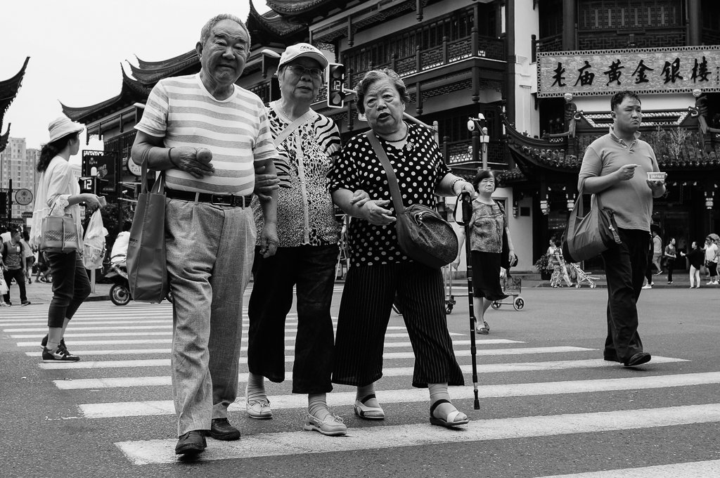 Image of: Black Chineseoldpeoplestreetphotography My Favourite Lens Beware Of Social Proof With Your Photography My Favourite Lens