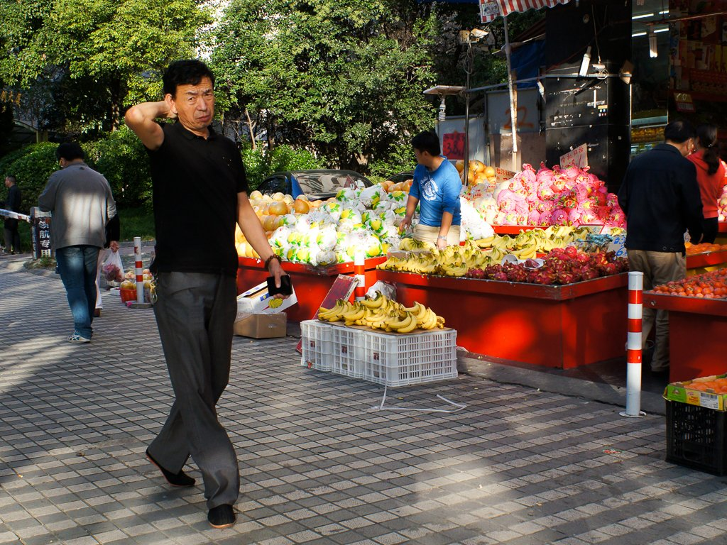 street-photography-fruit-seller