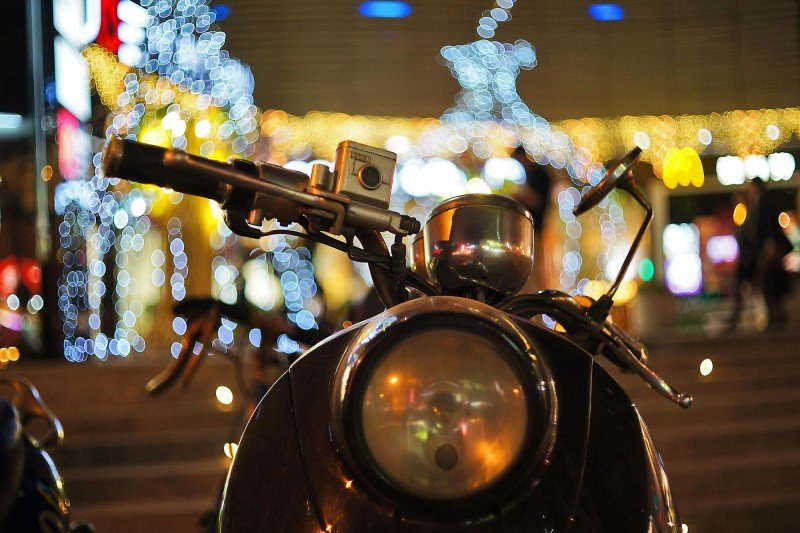 moped-bokeh (Copy)