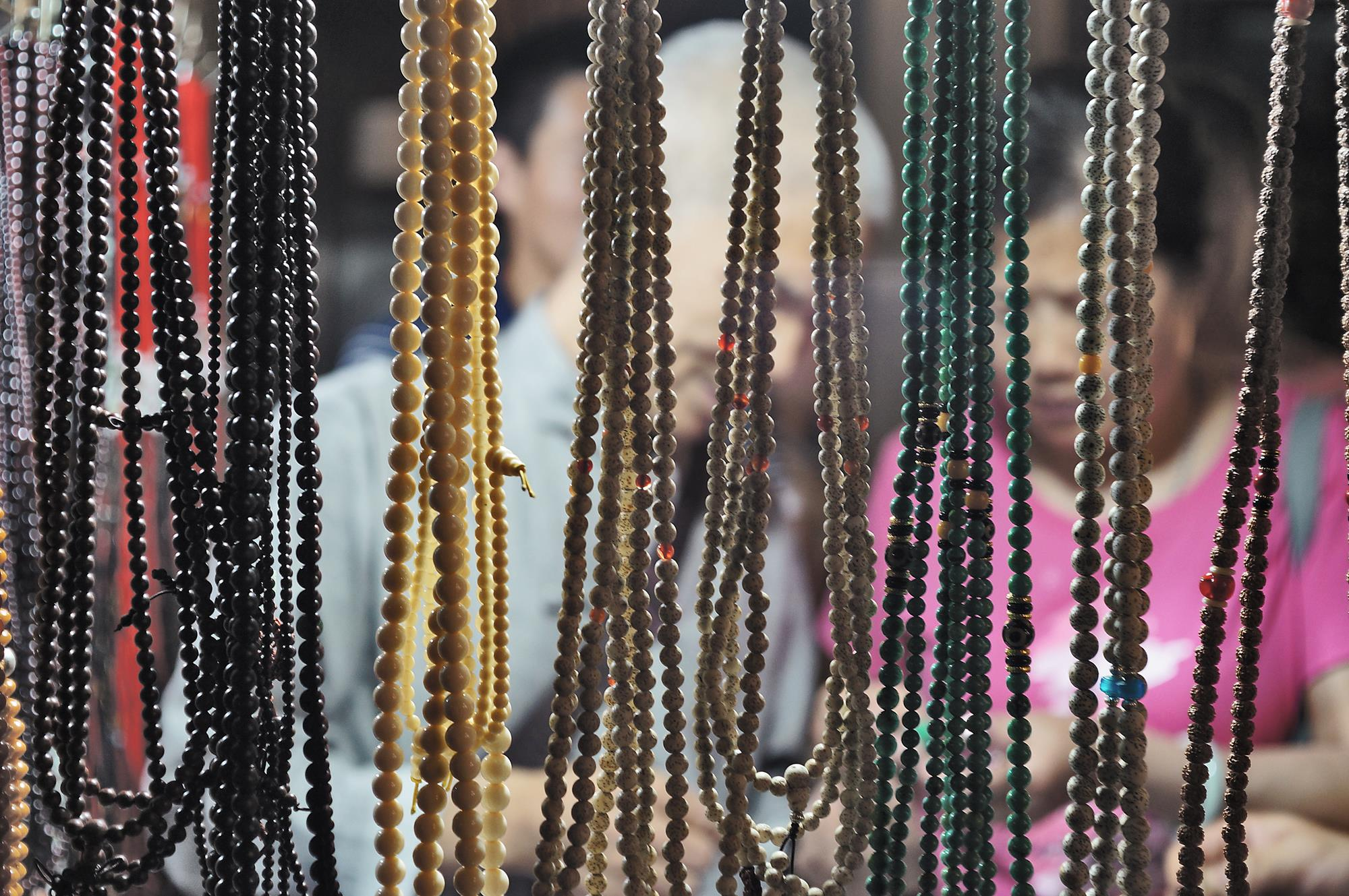 beads for sale on night market