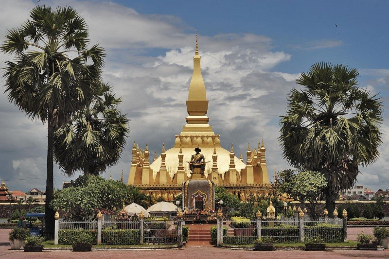 Pha That Luang golden stupa vientiane laos
