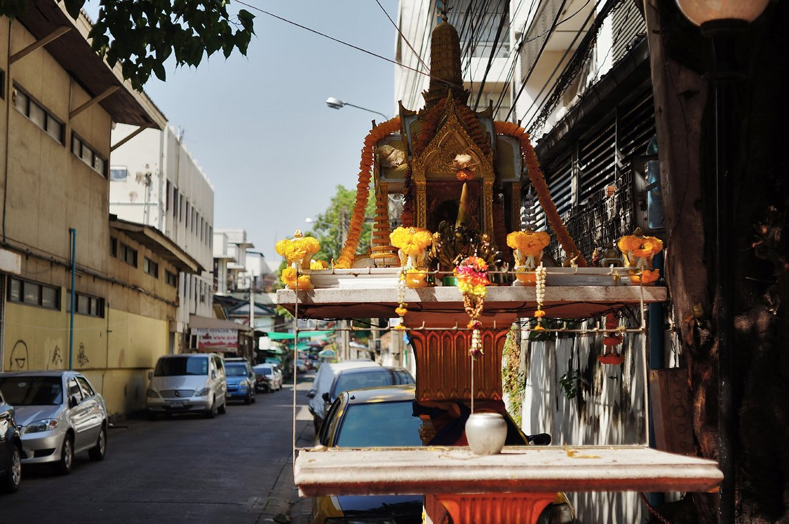 bangkok street shrine