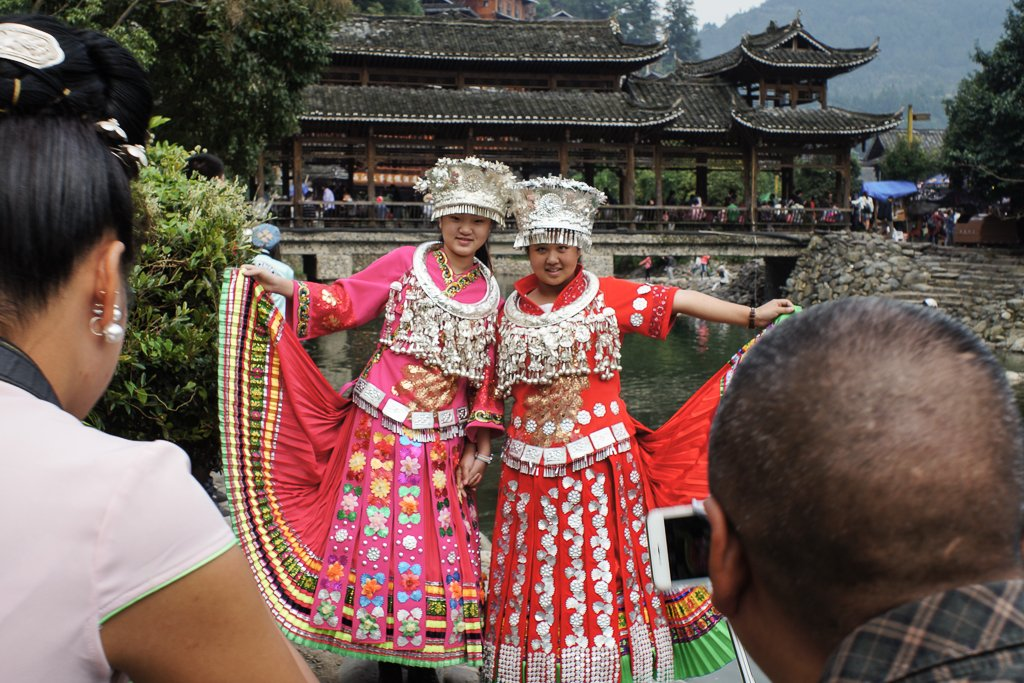 chinese tourists costume photography