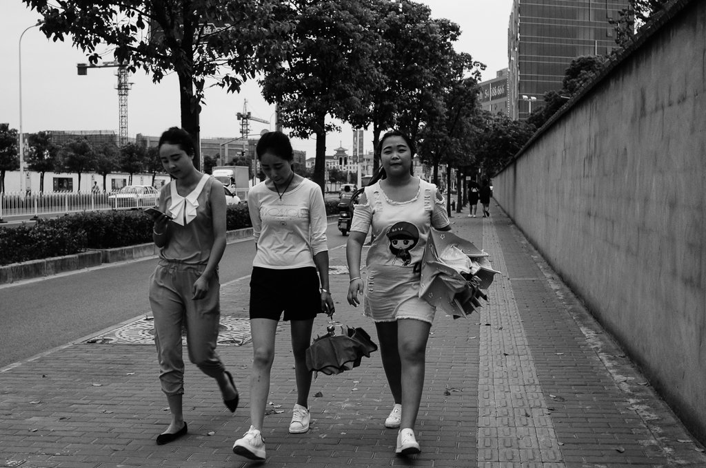 china-girls-street-photography