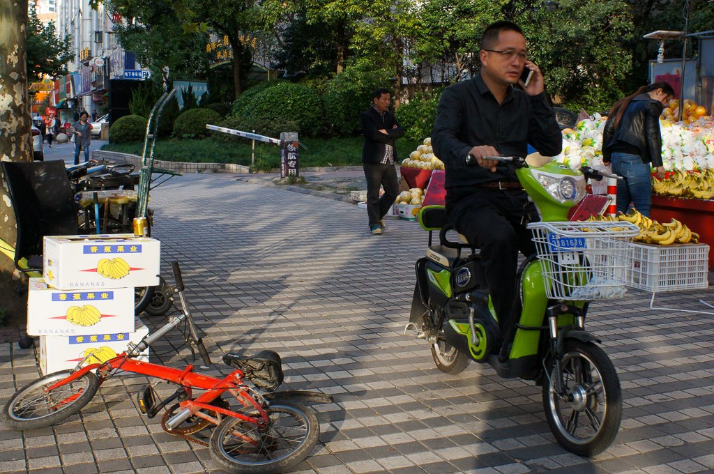 street-photography-china-ebike