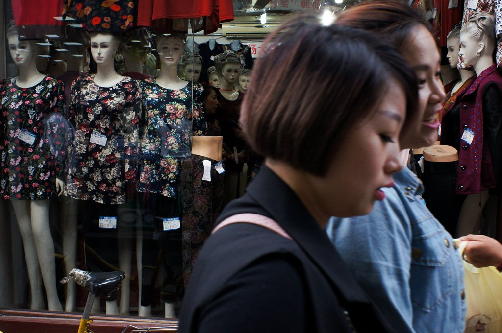 china-street-photography-mannequin-shop